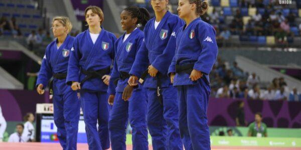 Le ragazze d'Italia rompono il silenzio di Baku