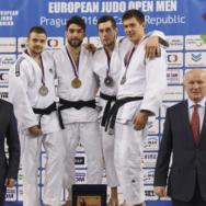 Marconcini oro, Loporchio bronzo a Praga. Donne male in Polonia