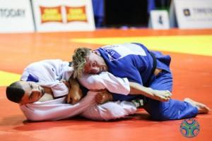 Judo-Antonio-Esposito-Fijlkam-1-1024x683-800x534